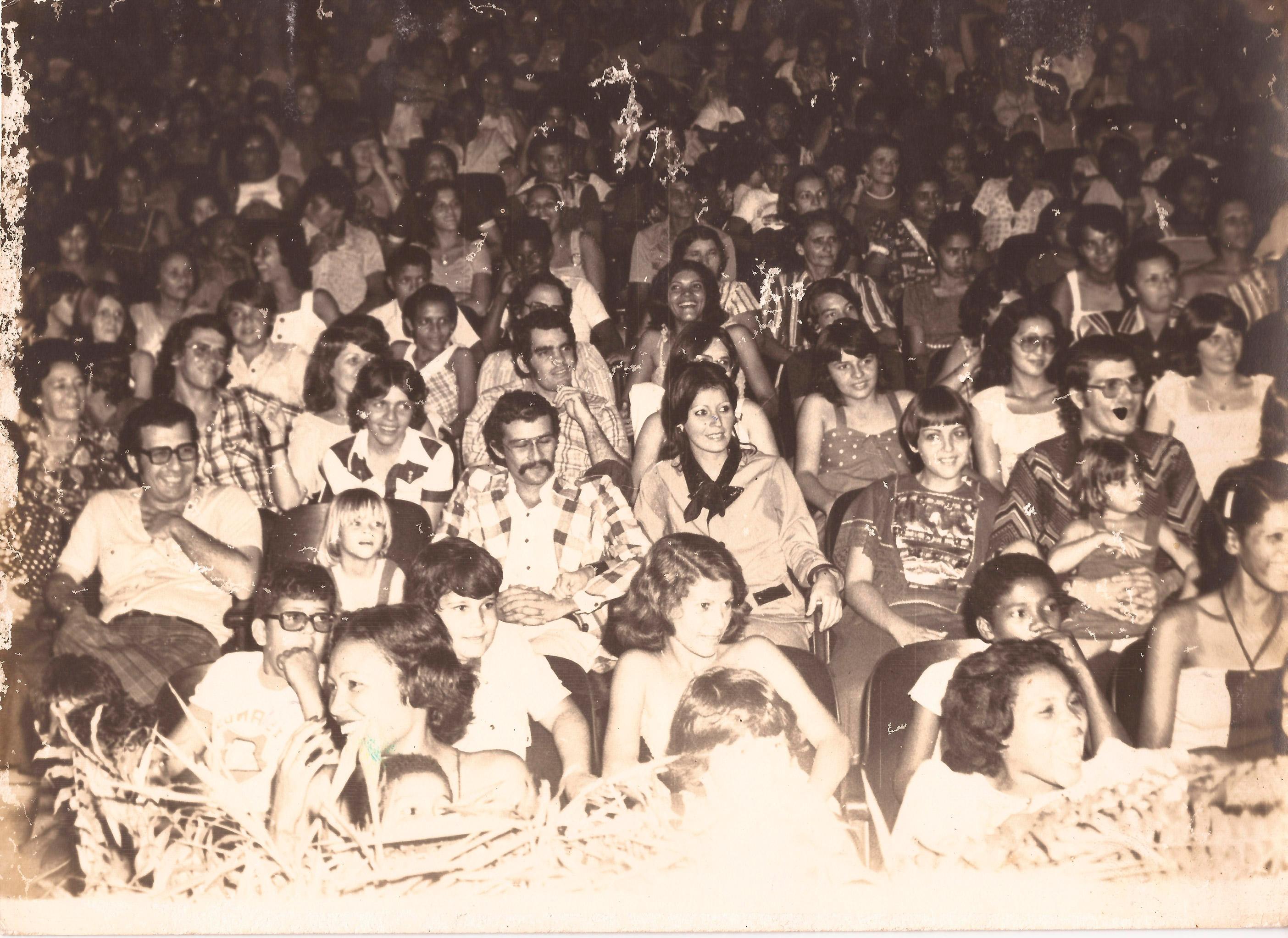 Público em uma das apresentações no Cinema Urubatã - Acervo Sérgio Clementino da Costa